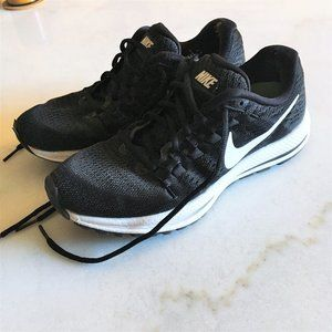 Nike Air Zoom Vomero 12 women black white sneaker
